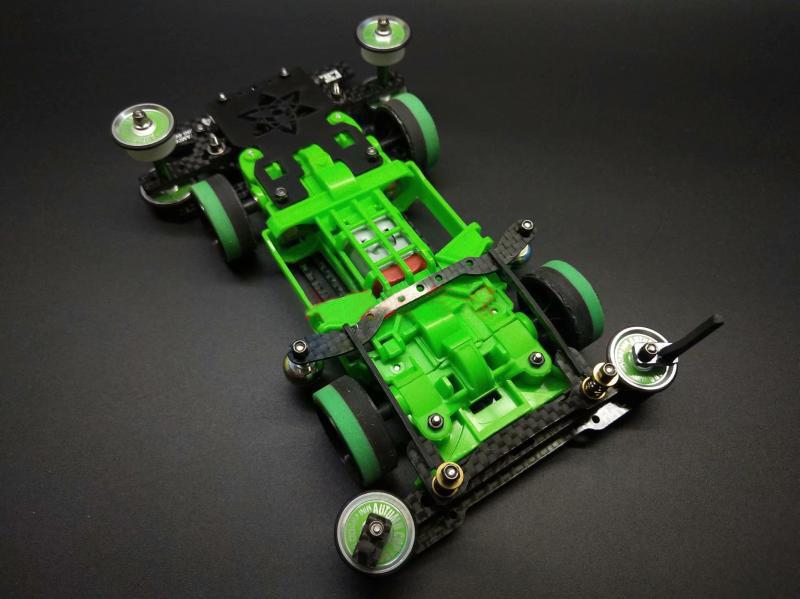 【送料無料】タミヤミニ 4WD サスペンション車モデル春 FRP フロントリアブレーキ MSL シャーシ (完成車)
