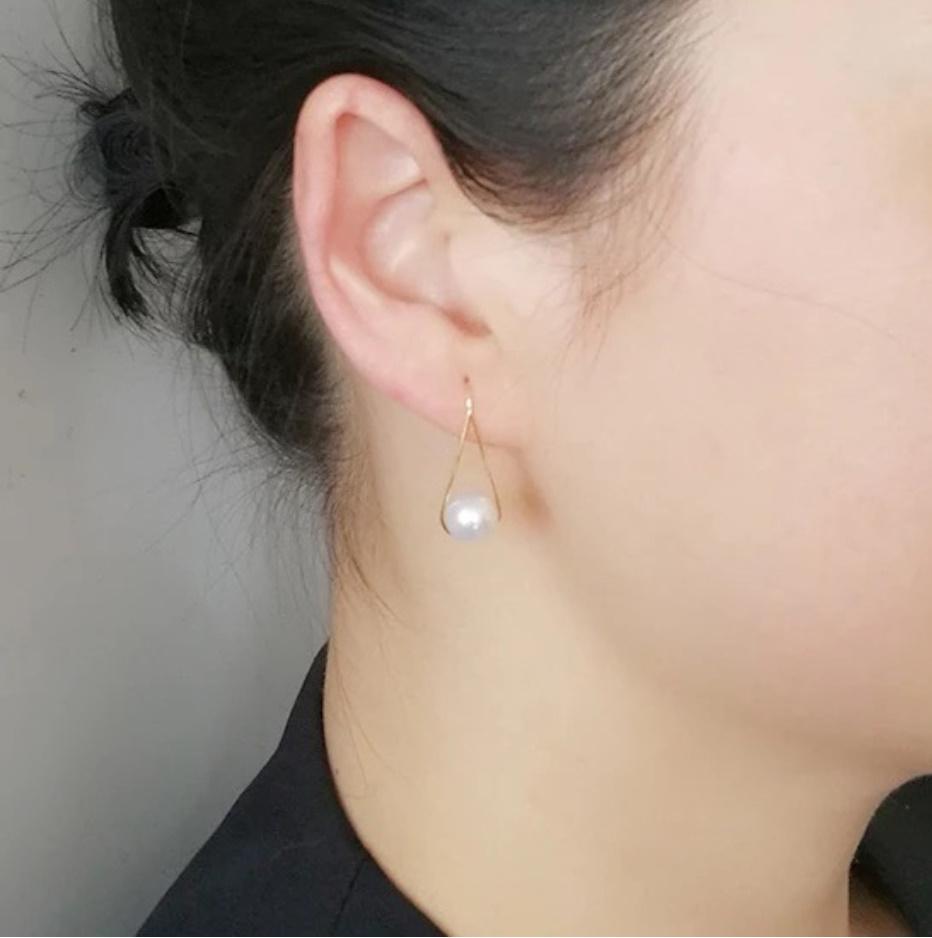 S1657 【今だけセール・数量1個】 ホワイト 真珠 パール ピアス イヤリング ゴールド ジュエリー 女性 ファッション レディ―ス_画像2