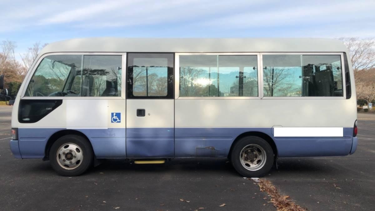 「H14 コースター 車いす登録 ロング 10人乗 普通免許 8ナンバー トランポ キャンピング 5MT 自動ドア 観音扉 バス」の画像2