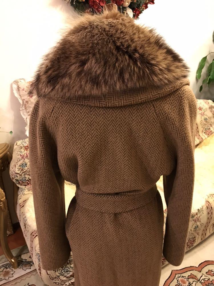 最高級本物正規品フェンディFENDIウール&アルパカ毛皮襟付キャメル色ロングコート40、42sizeの方リアルファークリスマスパーティーITALY製_画像4