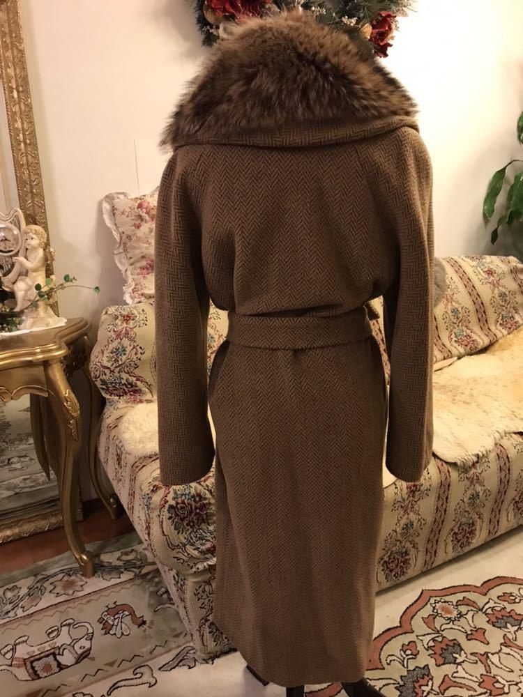 最高級本物正規品フェンディFENDIウール&アルパカ毛皮襟付キャメル色ロングコート40、42sizeの方リアルファークリスマスパーティーITALY製_画像3