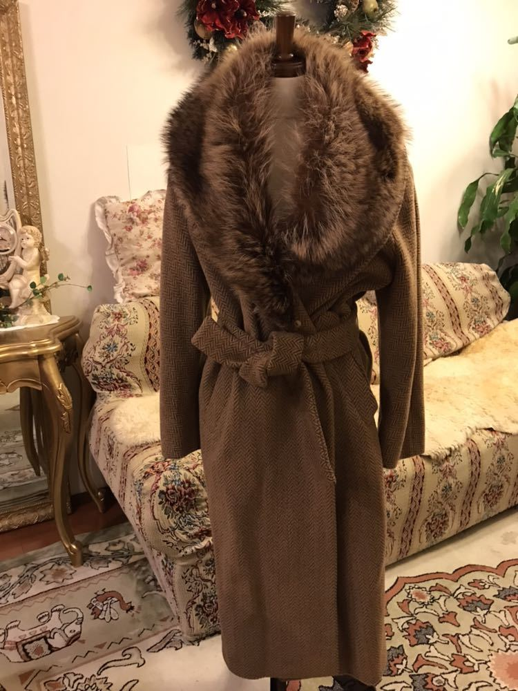 最高級本物正規品フェンディFENDIウール&アルパカ毛皮襟付キャメル色ロングコート40、42sizeの方リアルファークリスマスパーティーITALY製_画像1
