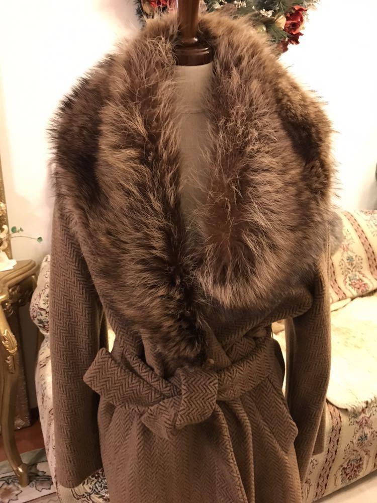 最高級本物正規品フェンディFENDIウール&アルパカ毛皮襟付キャメル色ロングコート40、42sizeの方リアルファークリスマスパーティーITALY製_画像5