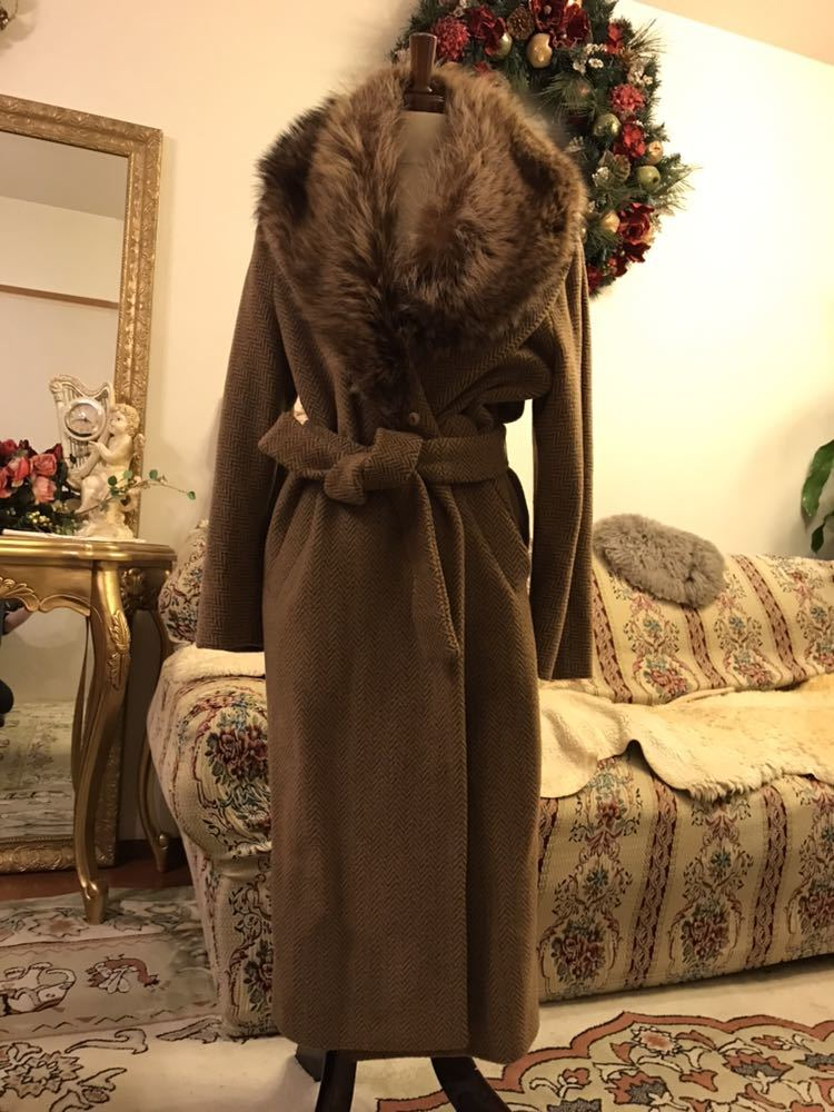 最高級本物正規品フェンディFENDIウール&アルパカ毛皮襟付キャメル色ロングコート40、42sizeの方リアルファークリスマスパーティーITALY製_画像6