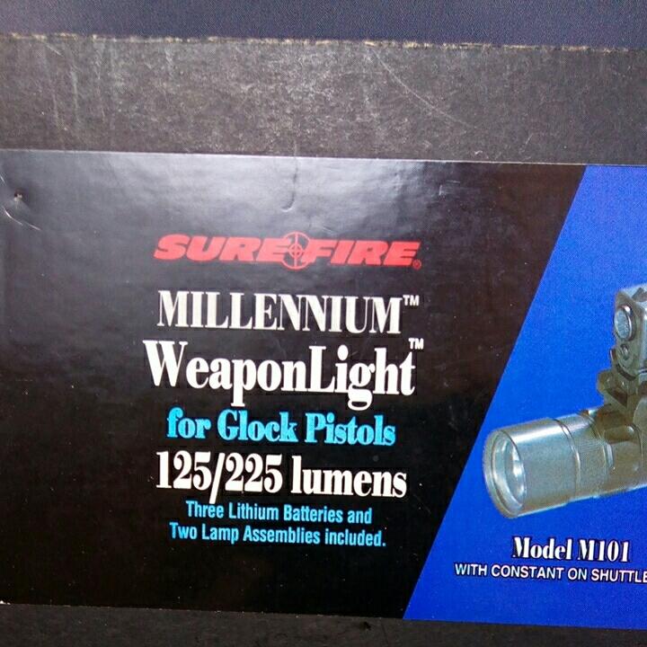 本体なし SUREFIRE MILLENIUM Weaponlight M101 LASER PRODUCTS GLOCK MOUNT 箱バルブグロック用マウント ベース_画像2