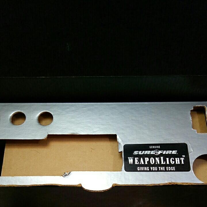 本体なし SUREFIRE MILLENIUM Weaponlight M101 LASER PRODUCTS GLOCK MOUNT 箱バルブグロック用マウント ベース_画像10