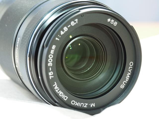 オリンパス M.ZUIKO DIGITAL ED 75-300mm F4.8-6.7 II + 純正フード付 LH-61E_画像5