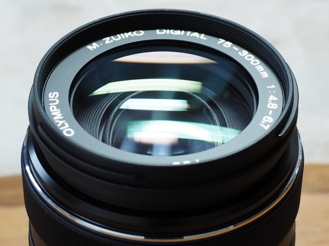 オリンパス M.ZUIKO DIGITAL ED 75-300mm F4.8-6.7 II + 純正フード付 LH-61E_画像7
