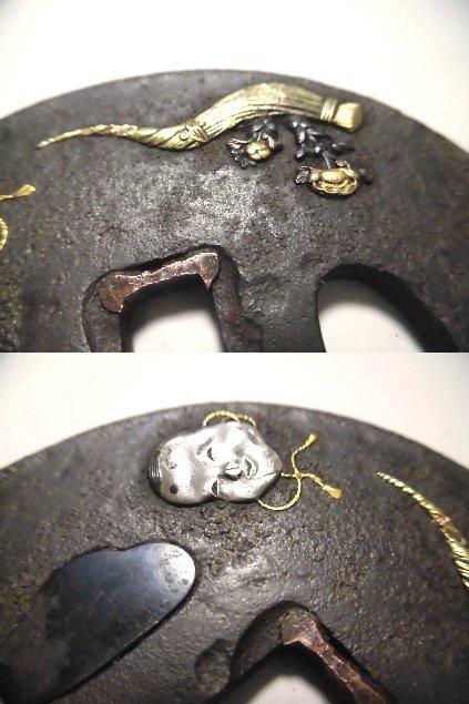 【鉄地 堅丸形 高彫り金銀象嵌 能面の図 大刀鍔 】 目貫_画像6