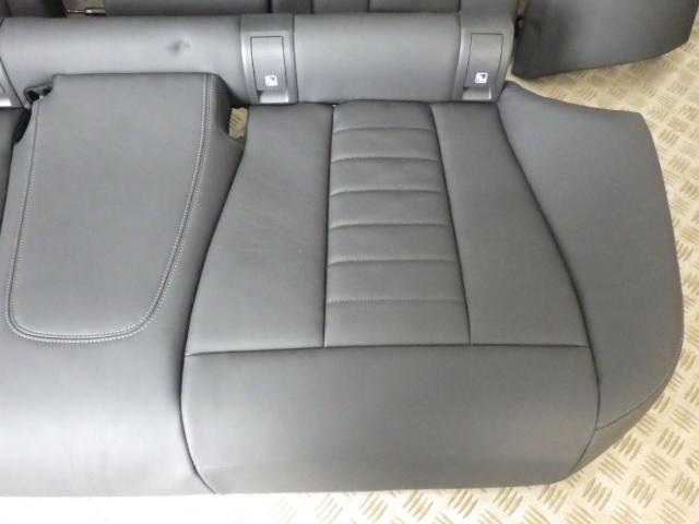 美品 BMW3シリーズ G20 320i Mスポーツ 3BA-5F20 2019年3月 リアシート リヤシート ブラックレザー×グレーステッチ 中古 即決_画像3