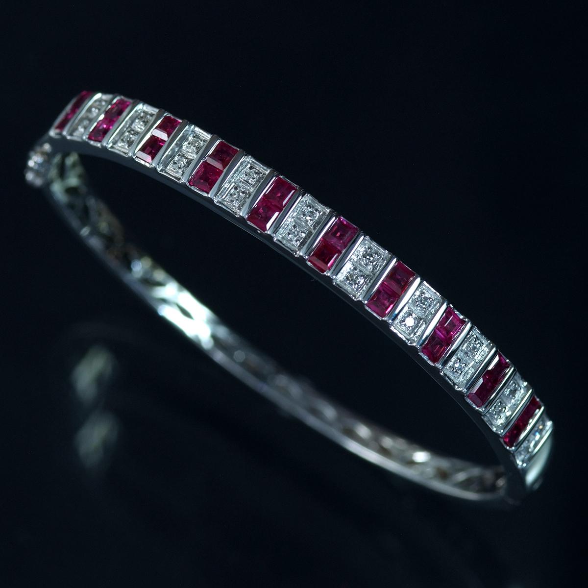 F0241 美しいルビー2.64ct 天然絶品ダイヤモンド0.12ct 最高級14金WG無垢バングル 腕周り15.5cm 重量15.06g 縦幅6.09mm_画像1