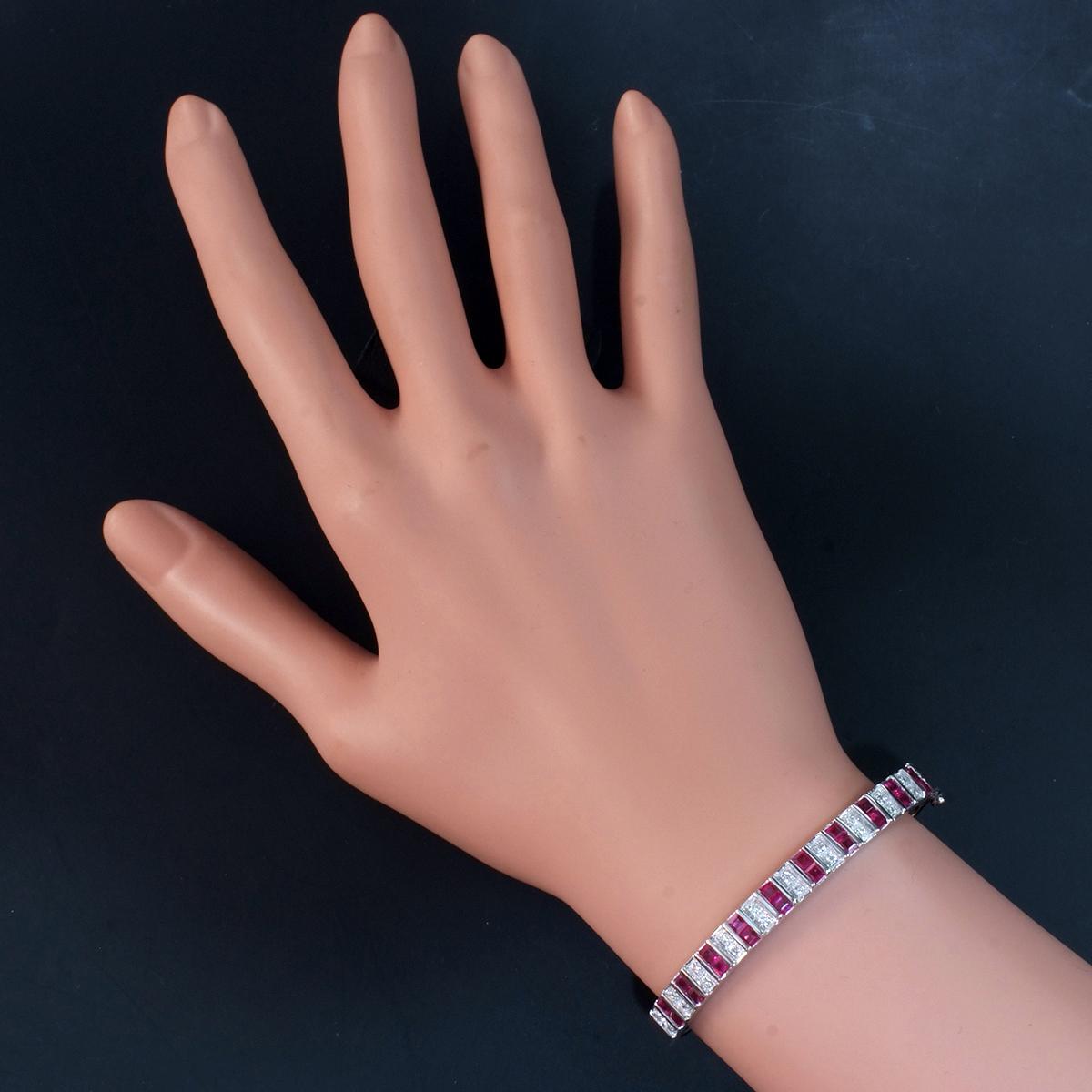 F0241 美しいルビー2.64ct 天然絶品ダイヤモンド0.12ct 最高級14金WG無垢バングル 腕周り15.5cm 重量15.06g 縦幅6.09mm_画像7