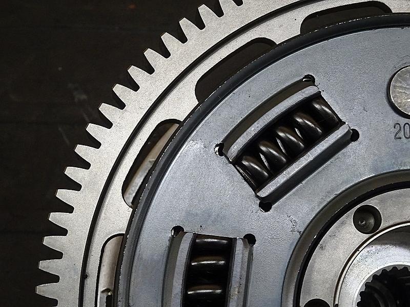 【191206】トライアンフ タイガーエクスプローラーABS '13■ クラッチ クラッチハウジング 【エンジンパーツ_画像5