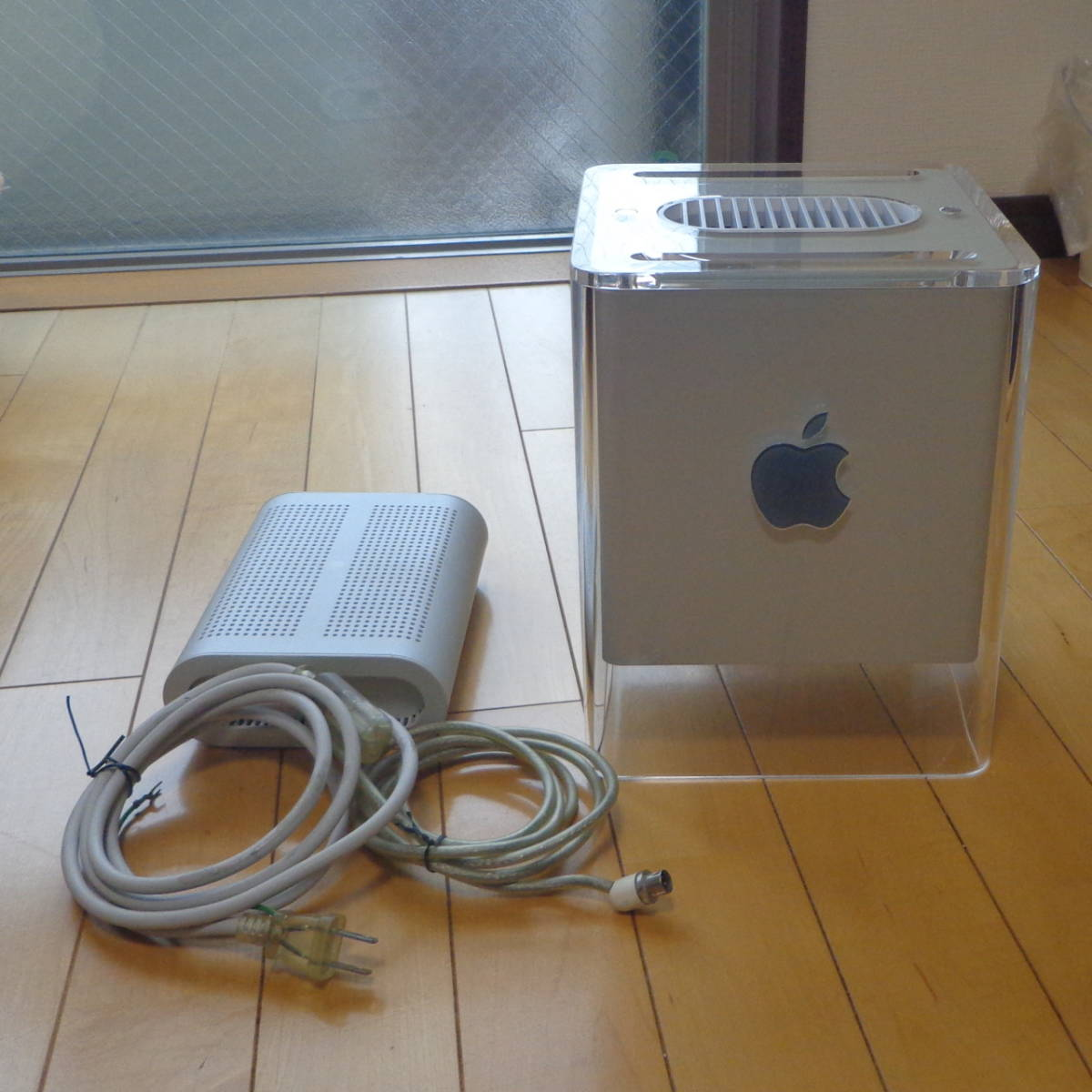 Apple Power Mac G4 Cube ( PowerLogix PowerForce DUAL 1.6GHz CPU , Intel SSD 80GB , Radeon 9000 Pro 128MB, 1.5GB RAM , OSX 10.5.8 )