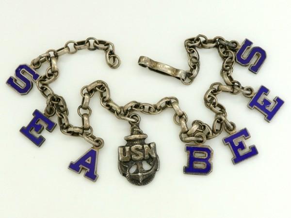 WW2 US NAVY SEA BEES シルバー製 ビンテージ エナメル チャーム ブレスレット USN アンカー 米海軍 米軍 アメリカ軍 ミリタリー_画像3