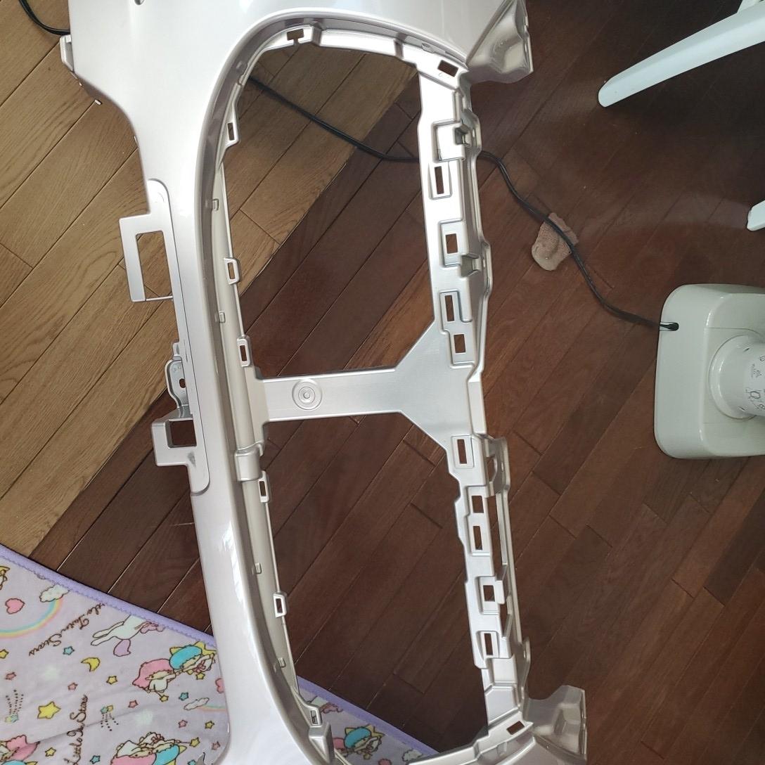 ダイハツキャストスタイル カラーT 16 フロントバンパー新品参考価格  37300円です_画像4