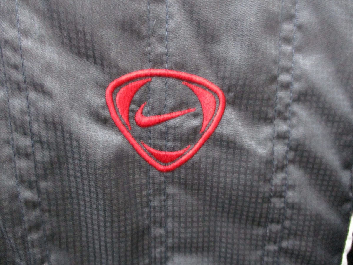 ◇NIKE ナイキ フード付き ナイロンジャケット ウインドブレーカー 子供用 S140◇_画像3