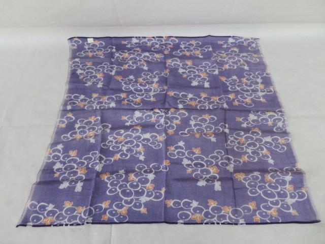 未使用保管 ちりめん 小風呂敷 ぶどう絵柄 紫 68cm×65cm レーヨン100% 箱入り_画像5