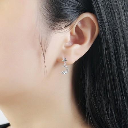 B80 1円~ 新品 銀シルバー ファッション 星と月のクリスタルピアス 左右対称でないイヤリング 揺ら揺らイヤリング 女性_画像4