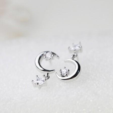 B80 1円~ 新品 銀シルバー ファッション 星と月のクリスタルピアス 左右対称でないイヤリング 揺ら揺らイヤリング 女性_画像6
