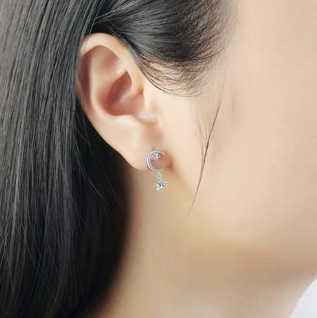 B80 1円~ 新品 銀シルバー ファッション 星と月のクリスタルピアス 左右対称でないイヤリング 揺ら揺らイヤリング 女性_画像5