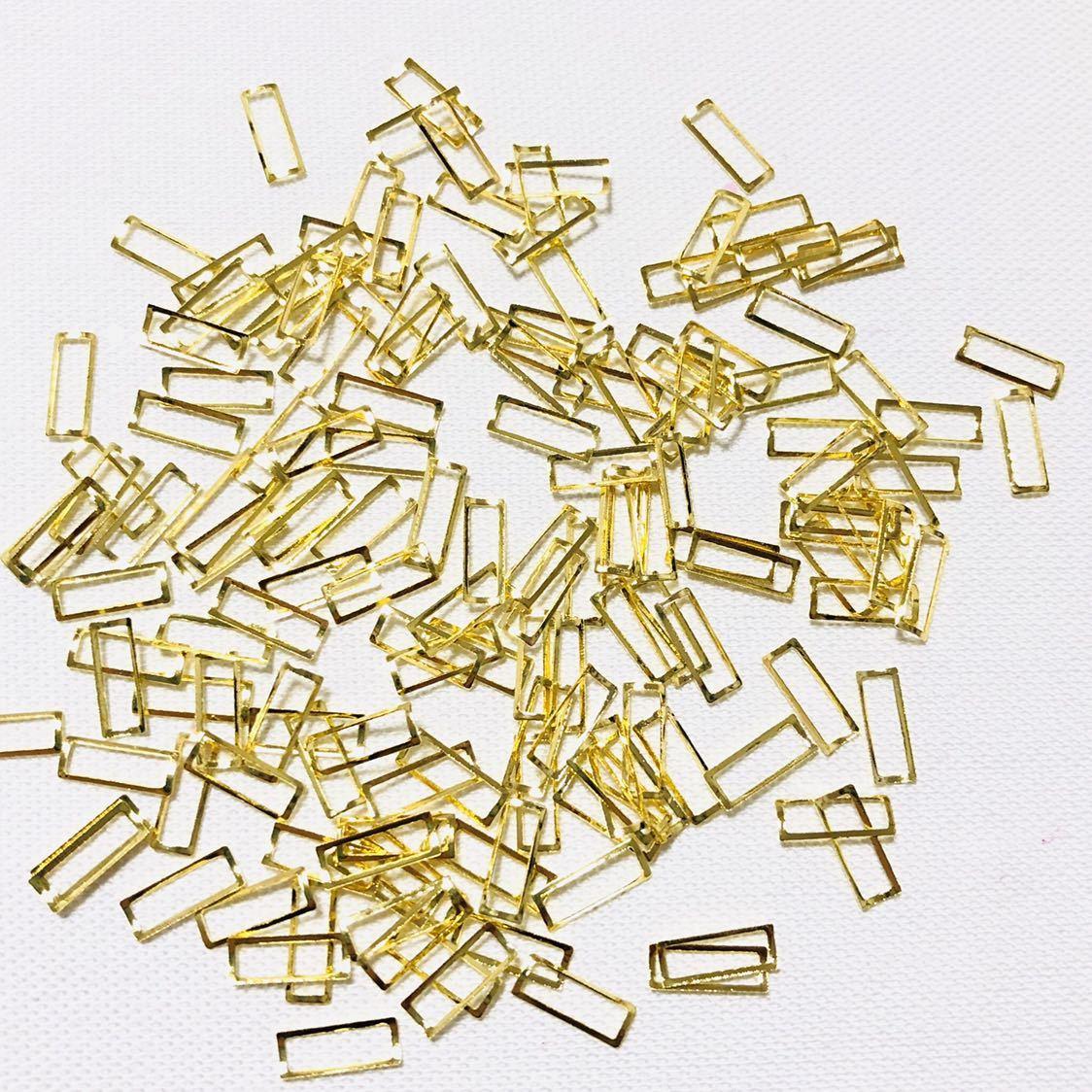 【送料込み】メタルネイルパーツ 3×8mm約200個セット【新品未使用】ネイルアート 中抜きロングスクエアスタッズ 長方形 ゴールド