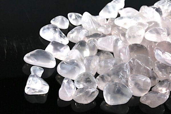 【送料無料】たっぷり 500g さざれ 大サイズ ミルキー クオーツ 乳白 水晶 パワーストーン 天然石 ブレスレット 浄化用 さざれ石 ※5_画像4