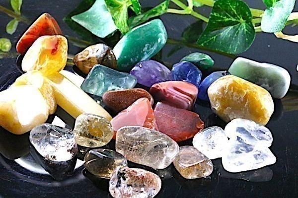 【送料無料】 200g さざれ 大サイズ ミックスジェムストーン 水晶 パワーストーン 天然石 ブレスレット 浄化用 さざれ石 チップ ※5_画像3