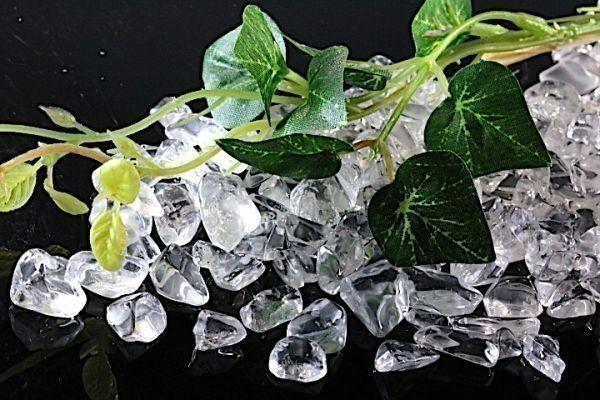 【送料無料】メガ盛り 800g さざれ 大サイズ AAAランク クオーツ 水晶 パワーストーン 天然石 ブレスレット 浄化用 さざれ石 チップ ※5_画像3