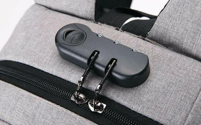PCリュック ビジネス  バッグ カバン USBポート  SALE ブラック