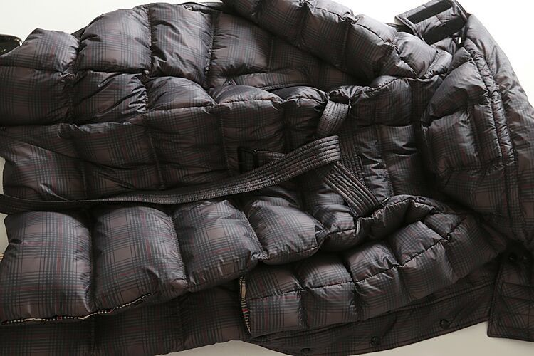 new goods high quality lady's 90% down coat long height with a hood . check lining .. gray L<H02Y19127>