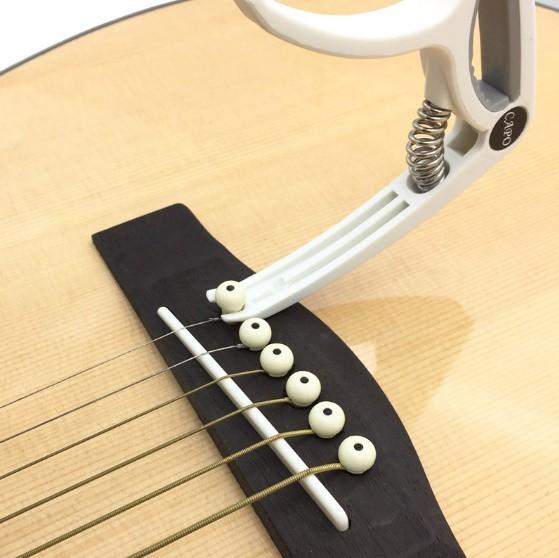 プラスチック ギター カポ 6弦 アコースティック クラシック 電気ギター チューニング クランプ 楽器アクセサリー ギターカポ_画像5