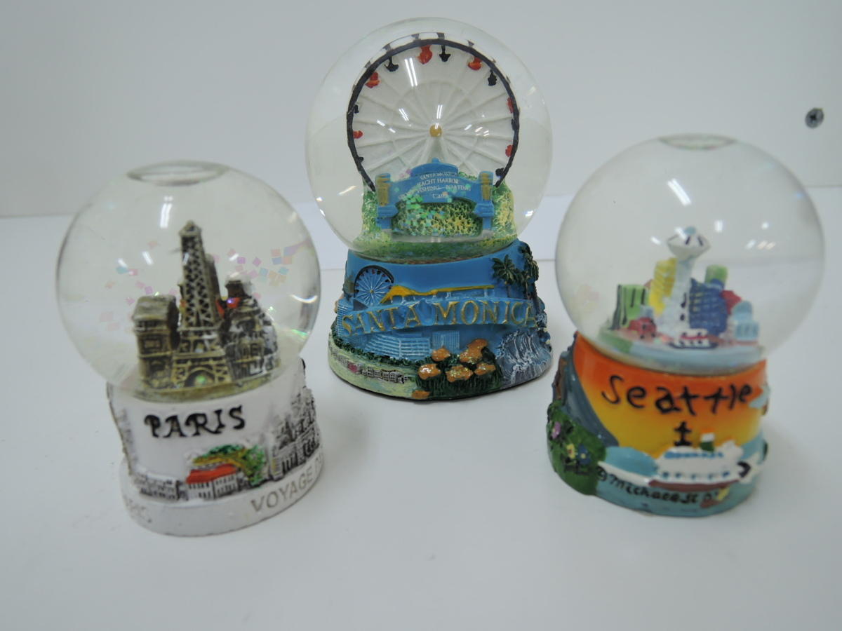 ▲ snow dome collection foreign-made Interior