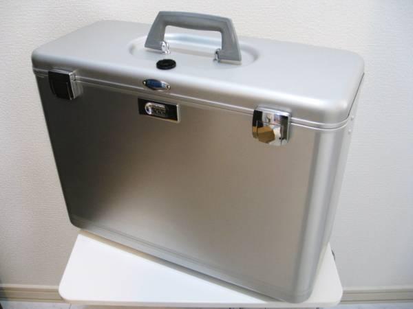 デッドストック ゼロハリバートン アルミ製フライトケース箱なし