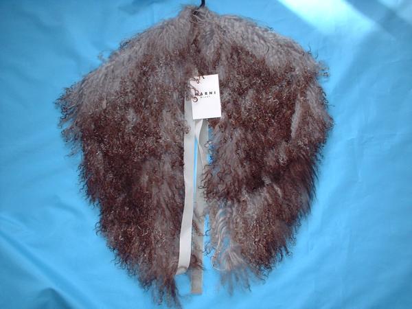 即決!MARNIマルニラムファーマフラー未使用成人式襟巻毛皮