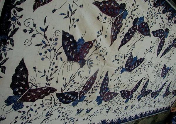 インドネシア・特価!マドゥラ島のバティック古布(Kupu2・蝶)