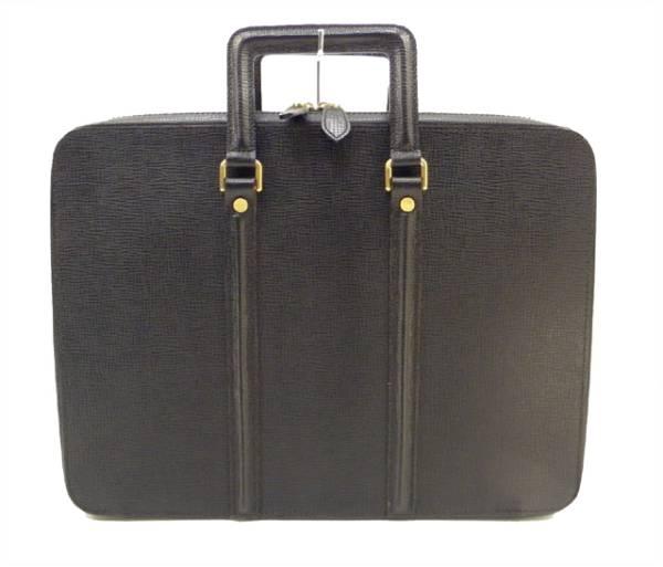 سروال بربري من الجلد الأسود بيدين من بربري بربري وحقيبة وحقيبة وحقيبة وحقيبة مستندات
