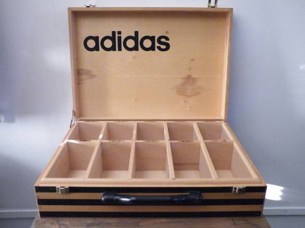 アディダス 非売品 ヴィンテージ 木製トランクケース レア adidas 希少 ビンテージ 古い バッグ 西ドイツ フランス ヨーロッパ_画像3