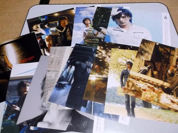 ○ 加藤和樹 【 2008-2009 ピンナップ集型カレンダー 】美品♪ ライブグッズの画像