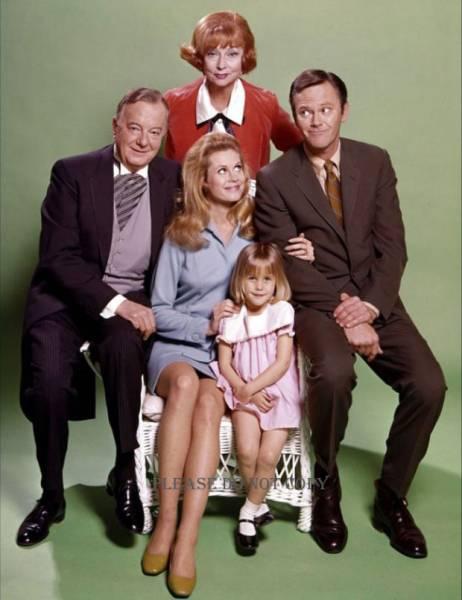 1969年 奥さまは魔女 エリザベス・モンゴメリー フォト3枚付き