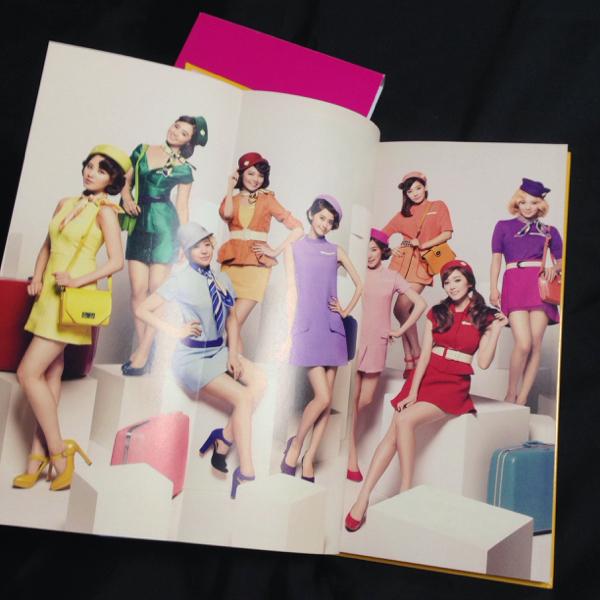 少女時代◆2ndtour パンフレット 公式 テヨン ユナ スヨン ティファニー ジェシカ/CD DVD Blu-ray サイン トレカ コンサートグッズの画像