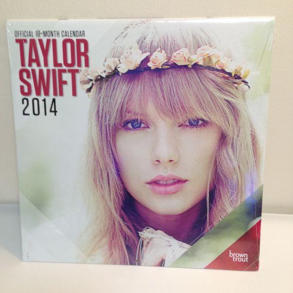 テイラースウィフト 2014年 カレンダー 新品未開封 送料無料 ライブグッズの画像