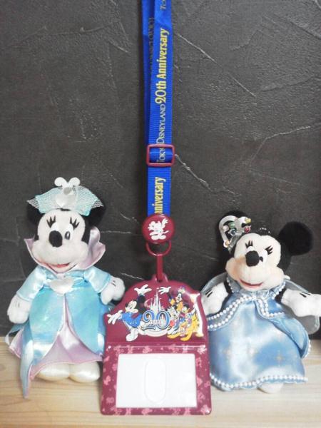 即決◆ ディズニー 20周年 パスケース ミニー ぬいぐるみバッジ ディズニーグッズの画像