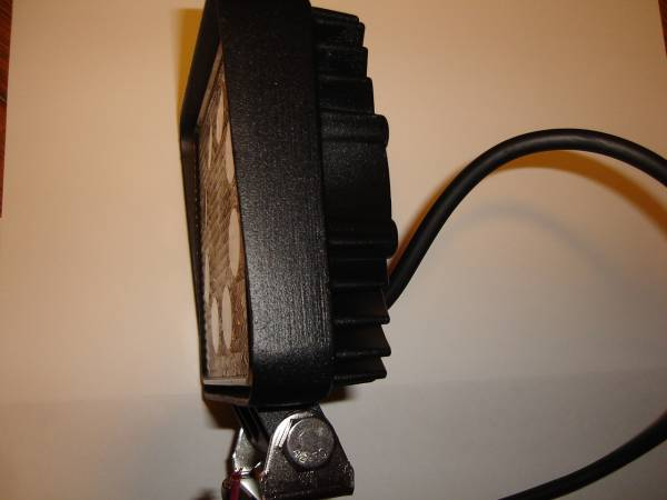 角度調整機能付き 高輝度LED3W×9 角型ライト 長寿命 建機 ユンボ 重機 ダンプ トラック タイヤショベル ローラー ブルドーザー_画像3