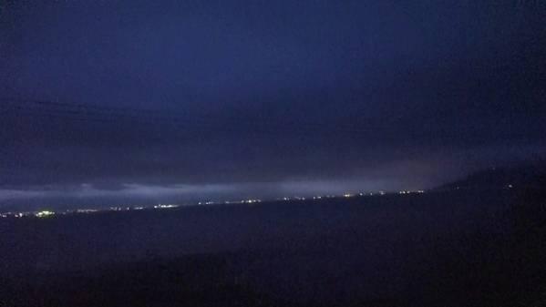 急行「はまなす」 車窓 札幌→青森 (字幕無/有BD-R DL1枚)_夜明けの函館市街を望む