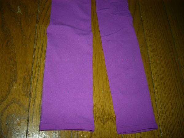 スパッツ タイツ 7分丈 光沢の紫 35デニール 可愛くてお洒落 スカート中に 未使用_画像2