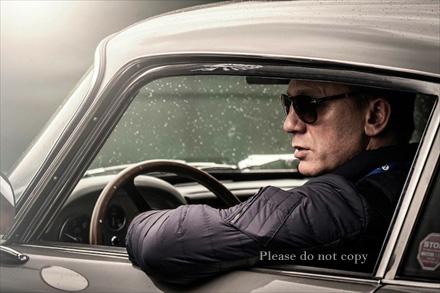 007 スカイフォール アストンマーチン・DB5とダニエル・クレイグ