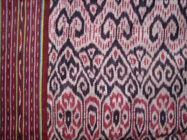 インドネシア・北中ティモール県(TTU)ビボキの伝統イカット(C)