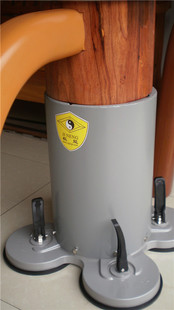 本家カンフー! 吸盤固定式自立型 蔡李佛 木人椿_吸盤で床に固定します。
