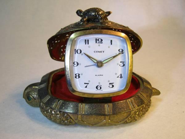 ★縁起物★亀の親子の目覚まし時計★骨董品★ _目覚まし時計です。
